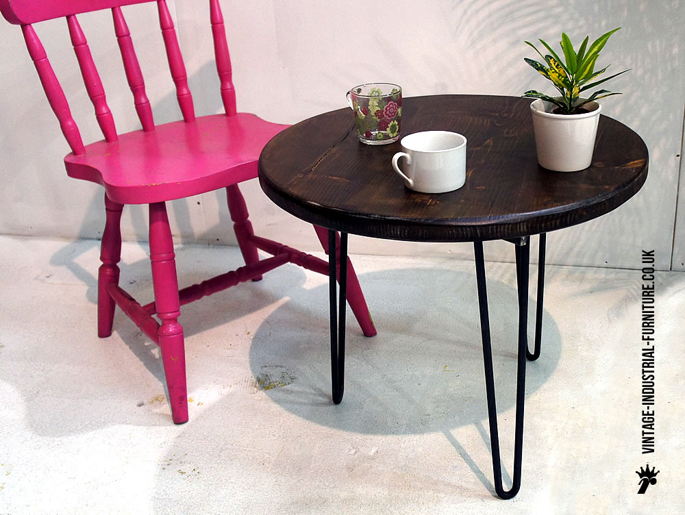 Round hairpin coffee table Round coffee table with chairs