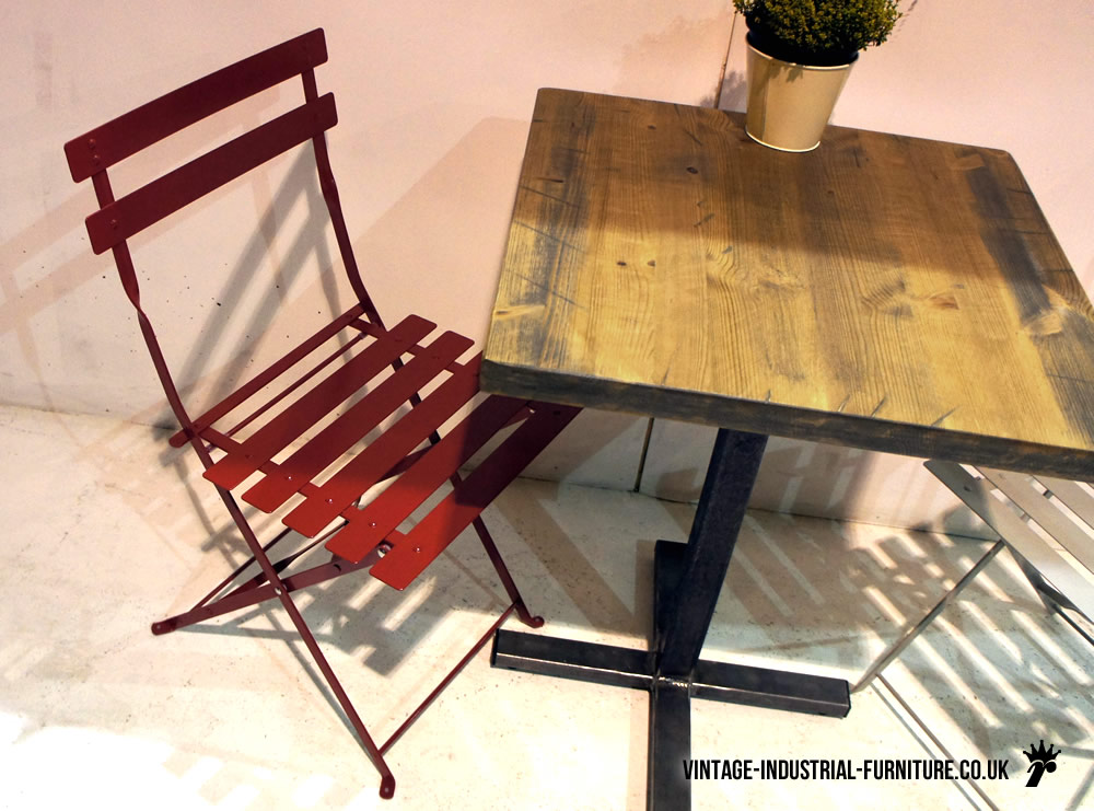 Vintage style folding cafe chair - Reasons choosing vintage style furniture ...